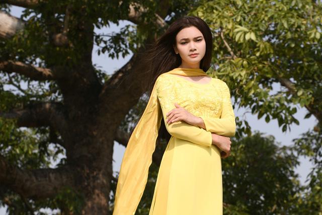 Phạm Phương Thảo diện áo dài hơn 10.000 USD quay phim ca nhạc Mong manh em - Ảnh 6.