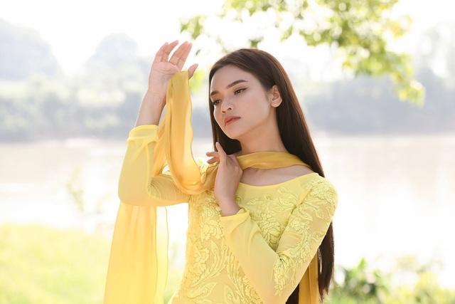 Phạm Phương Thảo diện áo dài hơn 10.000 USD quay phim ca nhạc Mong manh em - Ảnh 7.