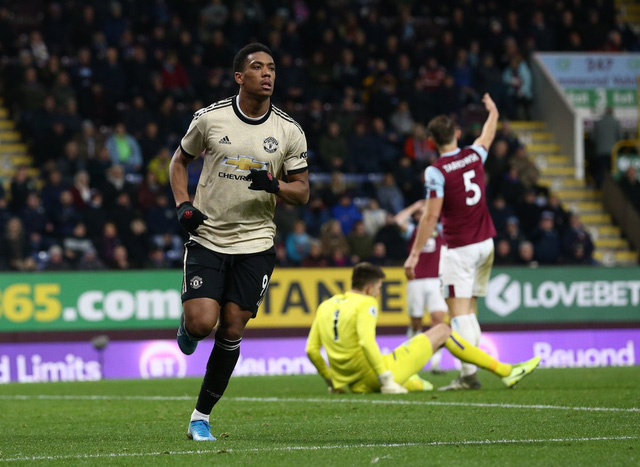 Burnley 0-2 Manchester United: Chiến thắng quan trọng (Vòng 20 Ngoại hạng Anh) - Ảnh 2.