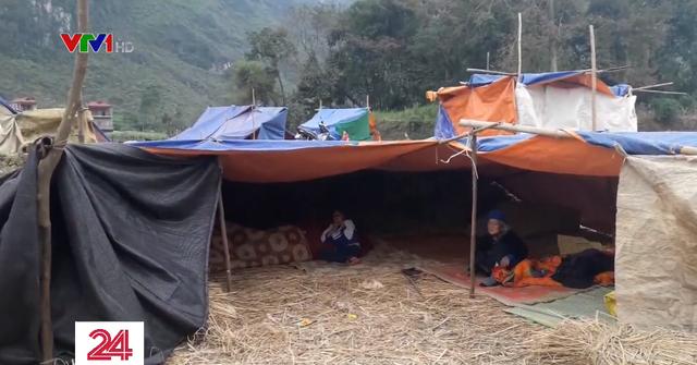 Người dân Cao Bằng dựng lều ngoài đồng vì lo sợ động đất - Ảnh 2.