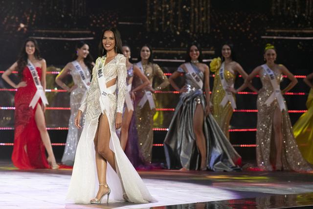 Dàn thí sinh Hoa hậu Hoàn vũ Việt Nam 2019 lộng lẫy trong đêm Bán kết - Ảnh 4.