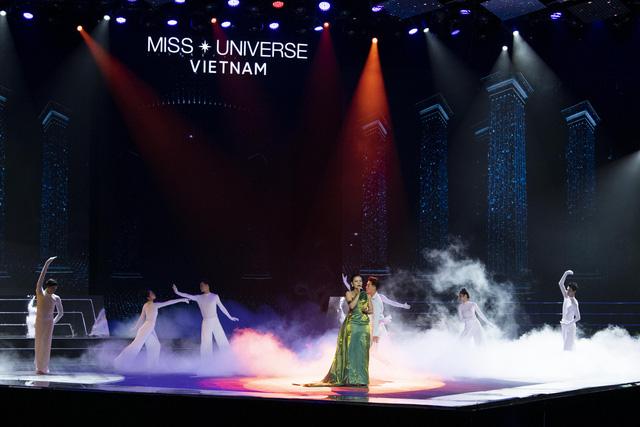 Dàn thí sinh Hoa hậu Hoàn vũ Việt Nam 2019 lộng lẫy trong đêm Bán kết - Ảnh 1.