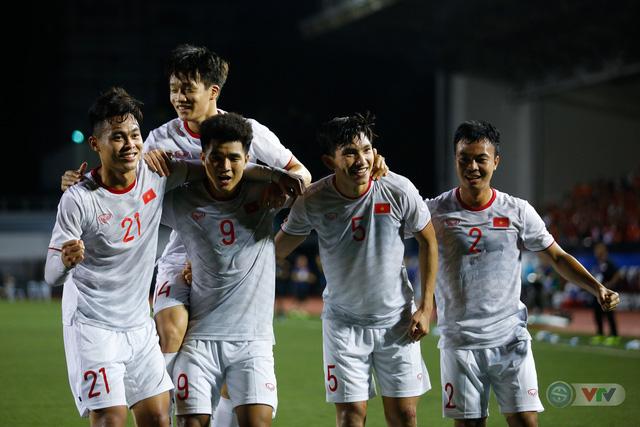 ẢNH: Đức Chinh toả sáng phút cuối, U22 Việt Nam thắng kịch tính U22 Singapore - Ảnh 16.