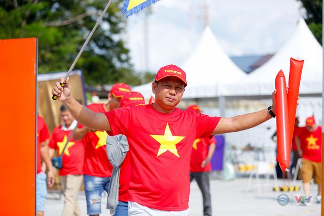 U22 Việt Nam - U22 Thái Lan: CĐV Việt Nam nô nức đến sân cổ vũ thầy trò HLV Park Hang Seo - Ảnh 15.