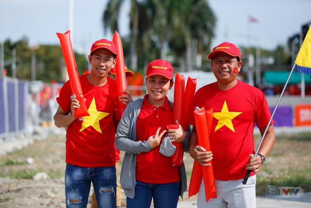U22 Việt Nam - U22 Thái Lan: CĐV Việt Nam nô nức đến sân cổ vũ thầy trò HLV Park Hang Seo - Ảnh 14.