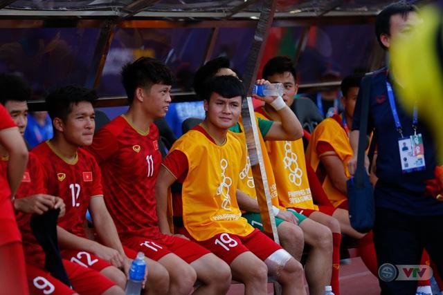 ẢNH: U22 Việt Nam loại U22 Thái Lan, thẳng tiến vào bán kết SEA Games 30 - Ảnh 1.