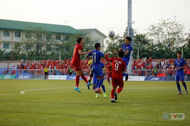 ẢNH: U22 Việt Nam loại U22 Thái Lan, thẳng tiến vào bán kết SEA Games 30 - Ảnh 11.
