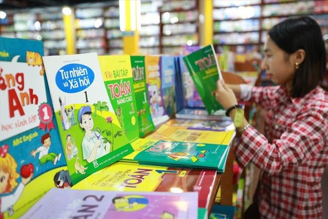 SGK lớp 1 mới gồm những cuốn sách nào bắt buộc phải mua? - Ảnh 1.