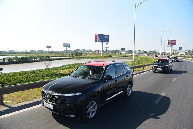 Gần 100 xe VinFast khởi động hành trình chinh phục địa đầu Tổ quốc - Ảnh 4.