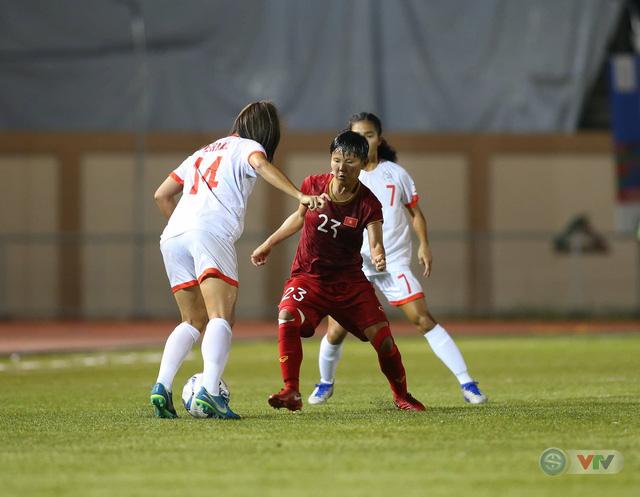 ẢNH: ĐT nữ Việt Nam thi đấu kiên cường, thắng thuyết phục ĐT nữ Phillipines để tiến vào chung kết SEA Games 30 - Ảnh 4.