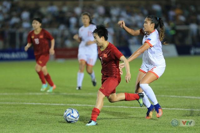 ẢNH: ĐT nữ Việt Nam thi đấu kiên cường, thắng thuyết phục ĐT nữ Phillipines để tiến vào chung kết SEA Games 30 - Ảnh 10.