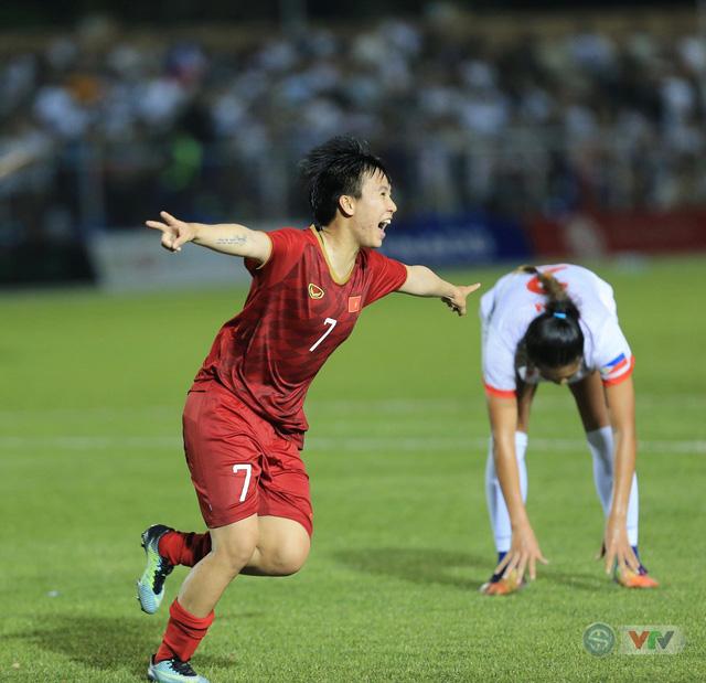 ẢNH: ĐT nữ Việt Nam thi đấu kiên cường, thắng thuyết phục ĐT nữ Phillipines để tiến vào chung kết SEA Games 30 - Ảnh 11.