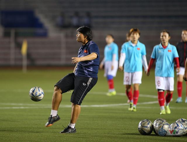 ẢNH: ĐT nữ Việt Nam rèn quân, quyết thắng Thái Lan trận chung kết SEA Games 30 - Ảnh 2.