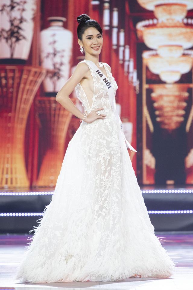 Top 10 Hoa hậu Hoàn vũ Việt Nam khoe sắc với trang phục dạ hội - Ảnh 10.