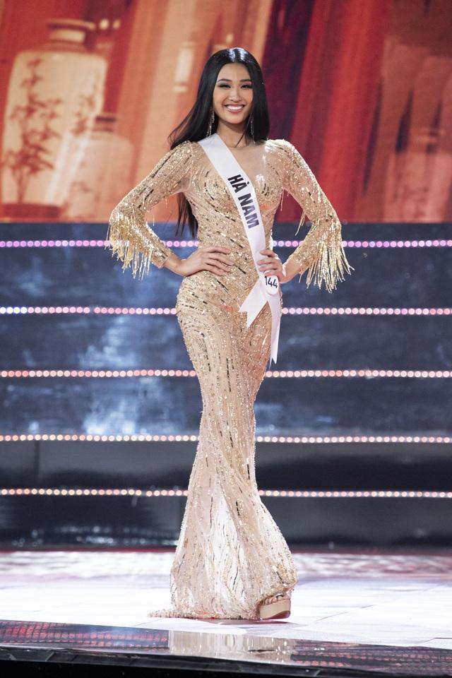 Top 10 Hoa hậu Hoàn vũ Việt Nam khoe sắc với trang phục dạ hội - Ảnh 9.