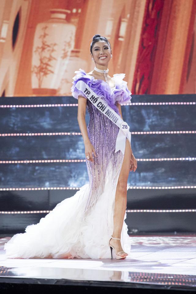 Top 10 Hoa hậu Hoàn vũ Việt Nam khoe sắc với trang phục dạ hội - Ảnh 5.