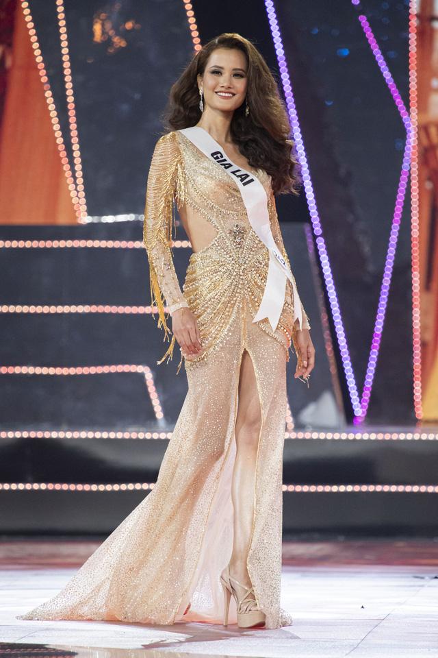 Top 10 Hoa hậu Hoàn vũ Việt Nam khoe sắc với trang phục dạ hội - Ảnh 3.