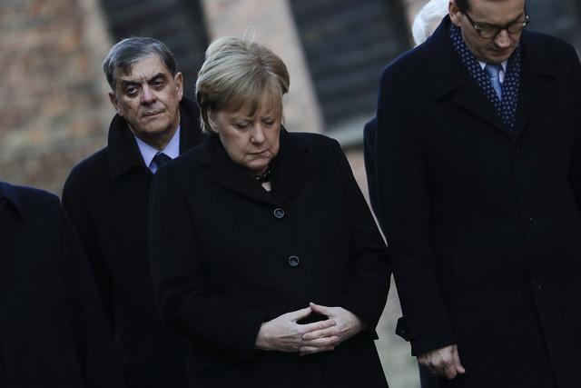 Thủ tướng Đức lần đầu thăm trại tập trung ở Ba Lan - Ảnh 1.