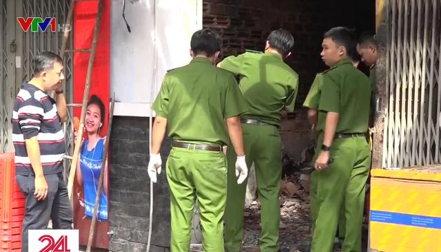 Hiện trường vụ cháy nhà khiến 3 người tử vong ở TP.HCM - Ảnh 2.