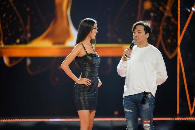 Ngay sau đám cưới, Hoàng Oanh tất bật làm MC Chung kết Hoa hậu Hoàn vũ Việt Nam 2019 - Ảnh 2.