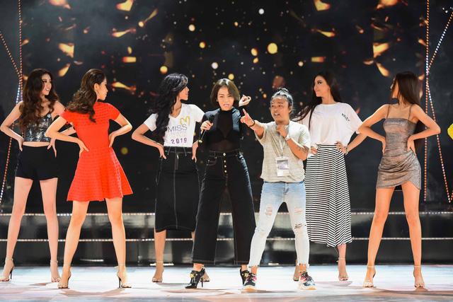 Ngay sau đám cưới, Hoàng Oanh tất bật làm MC Chung kết Hoa hậu Hoàn vũ Việt Nam 2019 - Ảnh 5.