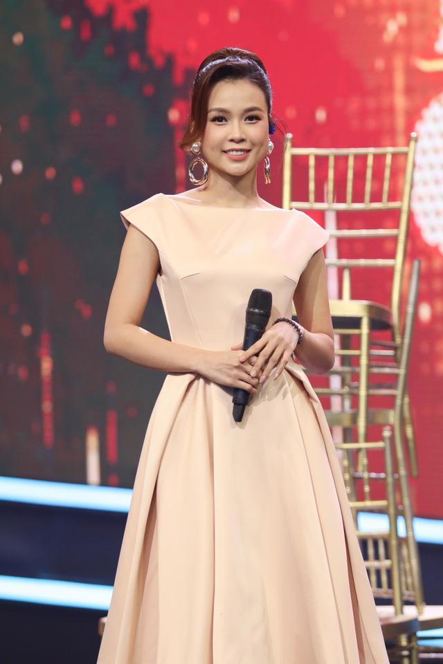 Ngân Quỳnh chê giọng hát của Sam trên sóng truyền hình - Ảnh 6.