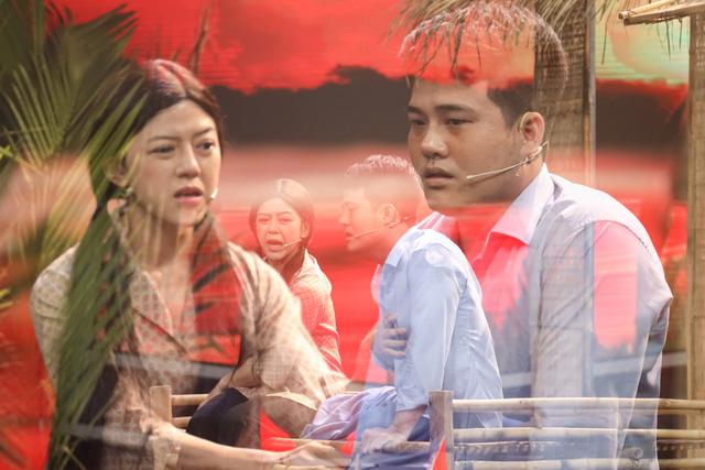 Mẹ chồng quốc dân Ngân Quỳnh khóc nghẹn trước tiết mục xúc động của nghệ sĩ cải lương khuyết tật Minh Chí - Ảnh 2.