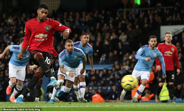 Man City 1-2 Man Utd: Thất bại sân nhà, hụt hơi cuộc đua vô địch - Ảnh 1.