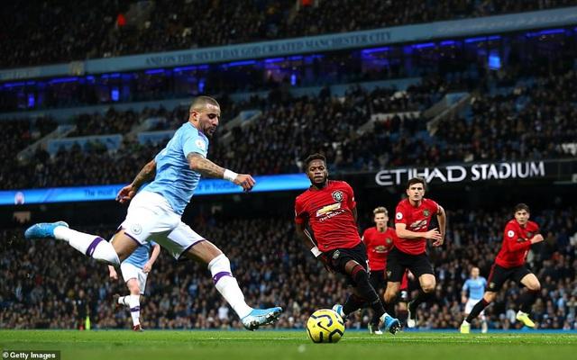 Man City 1-2 Man Utd: Thất bại sân nhà, hụt hơi cuộc đua vô địch - Ảnh 3.