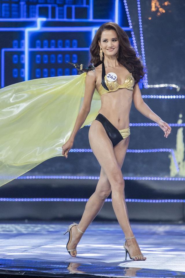 Top 15 Hoa hậu Hoàn vũ Việt Nam nóng bỏng trong trang phục bikini - Ảnh 3.