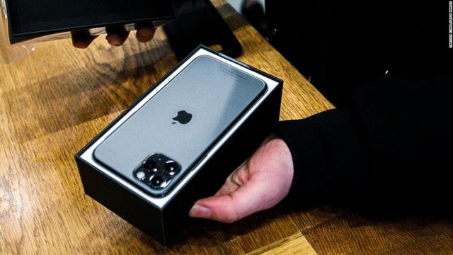 Chiếc iPhone thứ 2 tỷ có thể được bán ra trong năm nay - Ảnh 1.