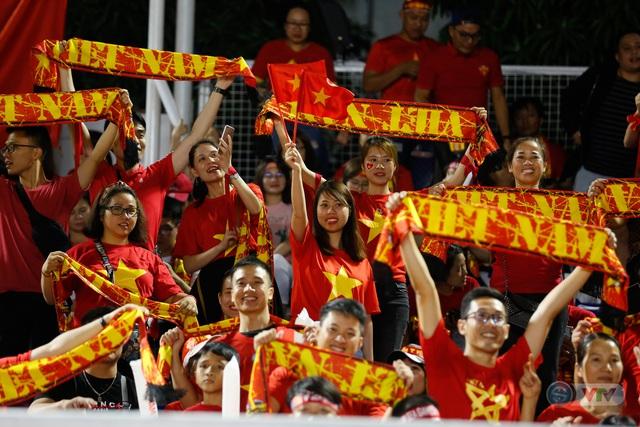 ẢNH: ĐT nữ Việt Nam thắng kịch tính trước Thái Lan, giành HCV bóng đá nữ SEA Games 30 - Ảnh 1.