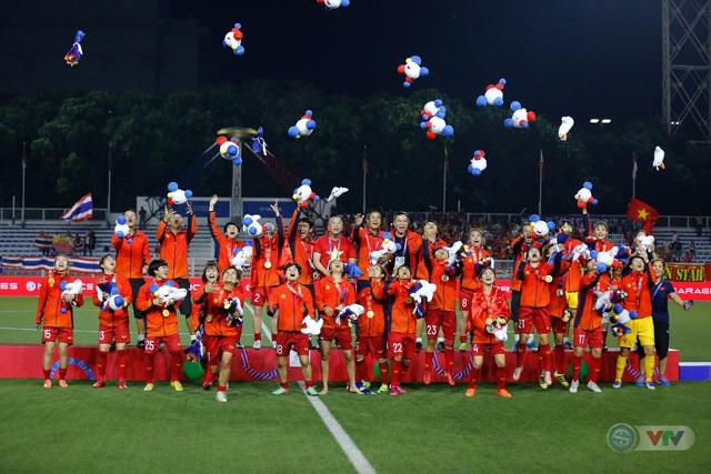 ẢNH: ĐT nữ Việt Nam thắng kịch tính trước Thái Lan, giành HCV bóng đá nữ SEA Games 30 - Ảnh 22.