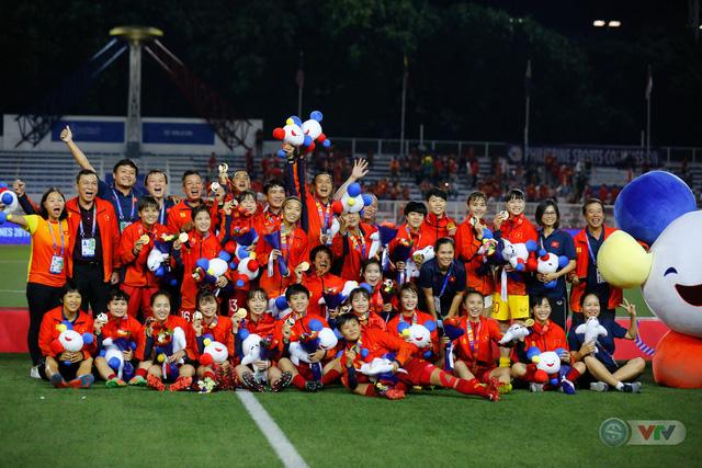 ẢNH: ĐT nữ Việt Nam thắng kịch tính trước Thái Lan, giành HCV bóng đá nữ SEA Games 30 - Ảnh 20.