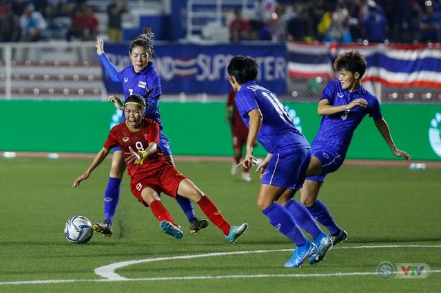 ẢNH: ĐT nữ Việt Nam thắng kịch tính trước Thái Lan, giành HCV bóng đá nữ SEA Games 30 - Ảnh 6.