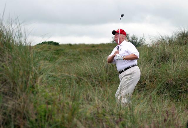 Một ngày làm việc của Tổng thống Trump: Ngủ 3-4 tiếng/đêm, thường không ăn sáng - Ảnh 10.