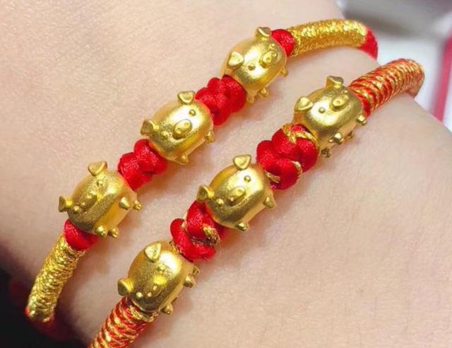 Phong phú mặt hàng trang sức vàng phục vụ ngày vía Thần Tài - Ảnh 2.