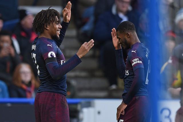 Kết quả, BXH Ngoại hạng Anh vòng 26: Man City đòi ngôi đầu từ Liverpool, MU vào top 4 - Ảnh 3.