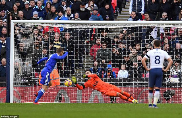 ĐHTB vòng 26 Ngoại hạng Anh: Hàng công khủng từ Man City - Ảnh 1.