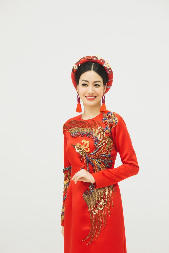 MC Phí Linh, Hồng Nhung diện các mẫu áo dài trong 100 năm qua - Ảnh 39.