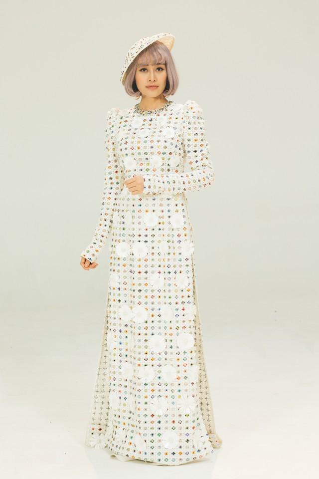 MC Phí Linh, Hồng Nhung diện các mẫu áo dài trong 100 năm qua - Ảnh 38.