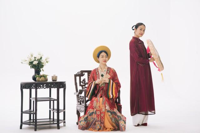 MC Phí Linh, Hồng Nhung diện các mẫu áo dài trong 100 năm qua - Ảnh 6.
