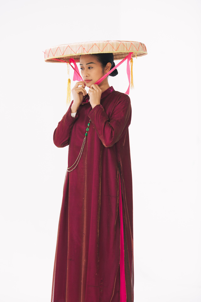 MC Phí Linh, Hồng Nhung diện các mẫu áo dài trong 100 năm qua - Ảnh 3.