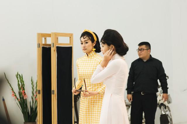 MC Phí Linh, Hồng Nhung diện các mẫu áo dài trong 100 năm qua - Ảnh 23.