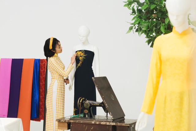 MC Phí Linh, Hồng Nhung diện các mẫu áo dài trong 100 năm qua - Ảnh 26.