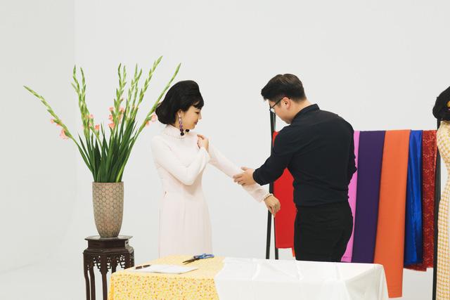 MC Phí Linh, Hồng Nhung diện các mẫu áo dài trong 100 năm qua - Ảnh 27.