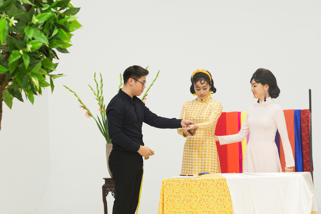 MC Phí Linh, Hồng Nhung diện các mẫu áo dài trong 100 năm qua - Ảnh 28.