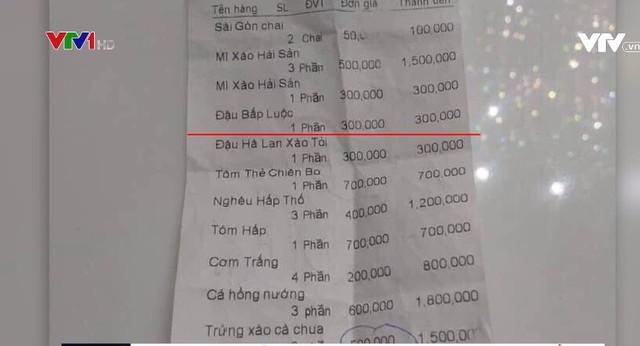 """Nhà hàng """"chặt chém"""" khách du lịch: Trứng xào cà chua giá 500.000 đồng/phần, cơm trắng 200.000 đồng/phần - ảnh 1"""