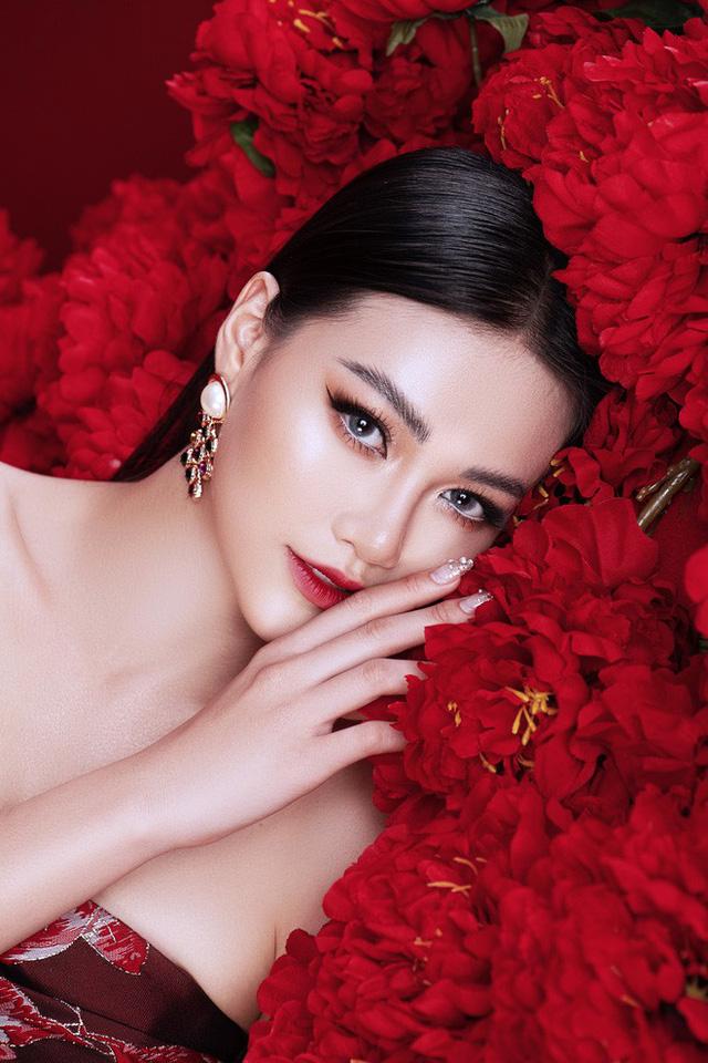 Hoa hậu Phương Khánh khoe vẻ đẹp đậm chất Á Đông trong bộ ảnh mới - Ảnh 2.