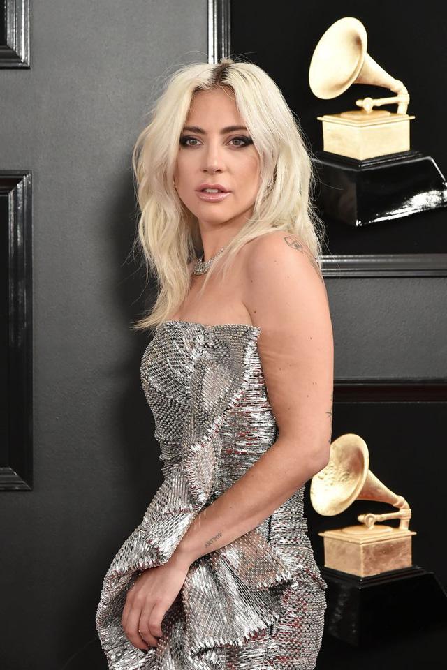 Rộ tin đồn Lady Gaga và hôn phu tan vỡ - Ảnh 1.